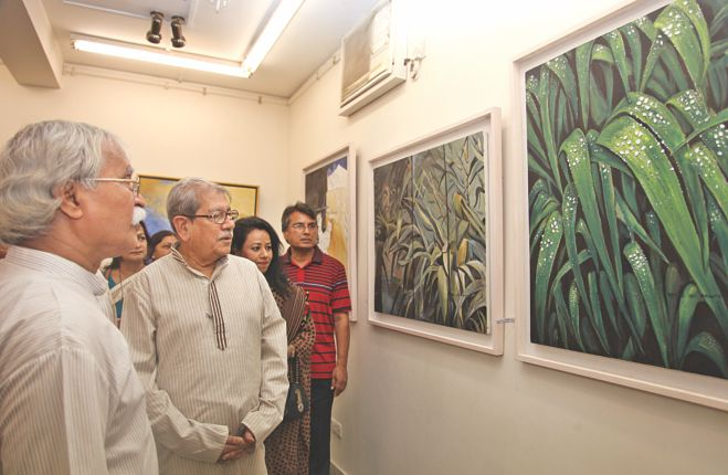 Guests visit the exhibition.